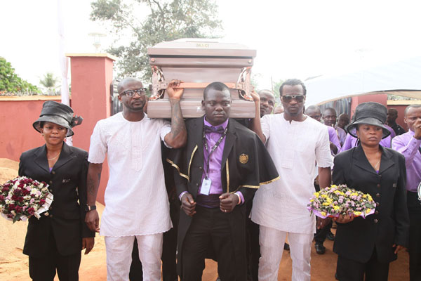 PSquare buries dad