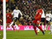 Balotelli scores irst goal for Reds