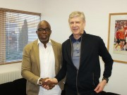 Pinnick with Arsenal boss Wenger