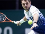 Wawrinka in action