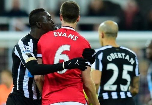 Evan tangoes with Cisse in spitting row