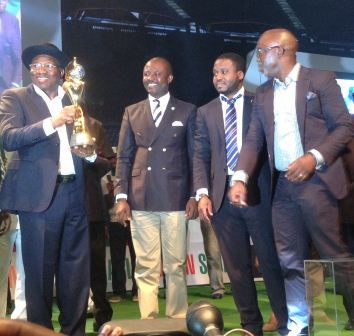 Jonathan receives women s FIFA World Cup