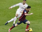 Ronaldo chasing Messi for the ball in El Classico