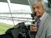 Cricket legend Benaud dies